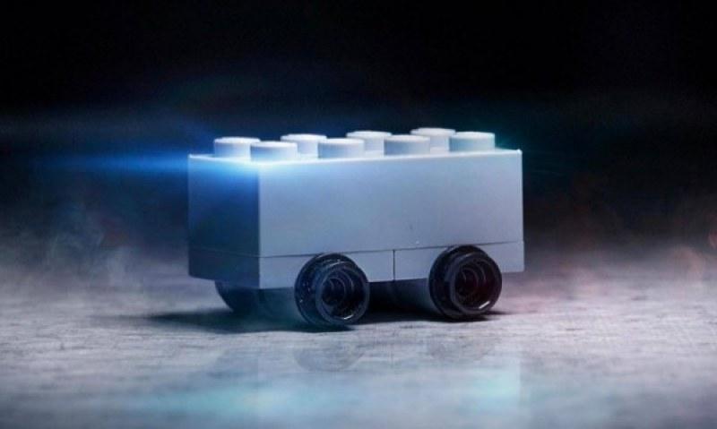 Lego се изгаври със Cybertruck-а на Tesla: Гарантирано не се напуква!