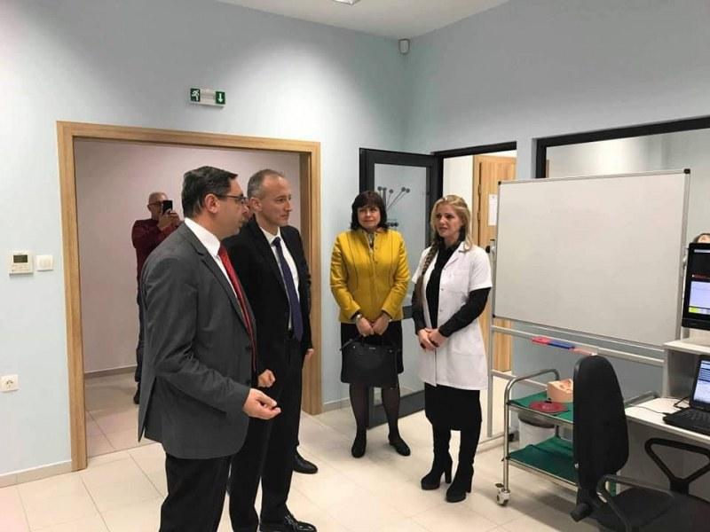 Просветният министър с важно посещение в МУ-Пловдив