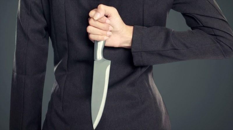 37-годишна жена уби баща си с нож! Наръгала го в аортата