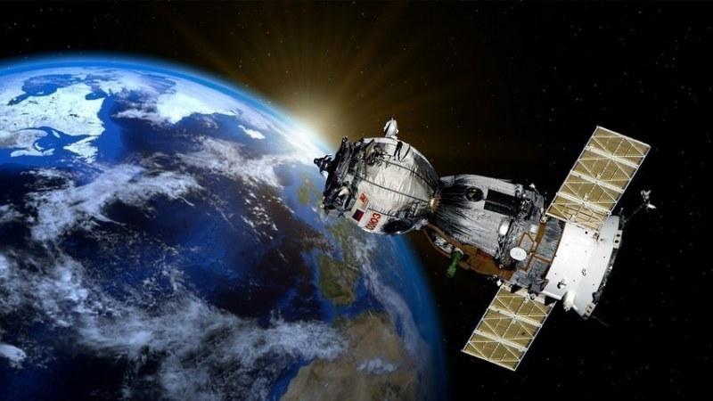 Професия на новото време: Поправка на сателити