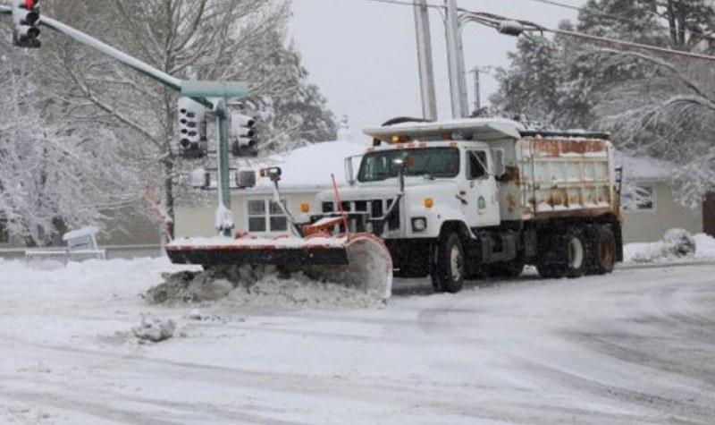 Силни снеговалежи затрупаха САЩ, увеличава се броят на жертвите!