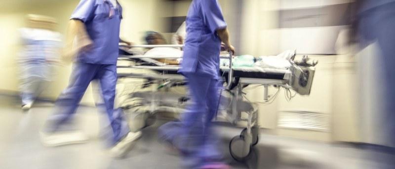 17-годишната Мария роди момченце и издъхна! Проверяват частна болница