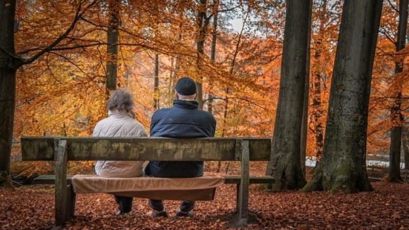 Проект: €1000 на месец и увеличение на пенсионната възраст във Франция