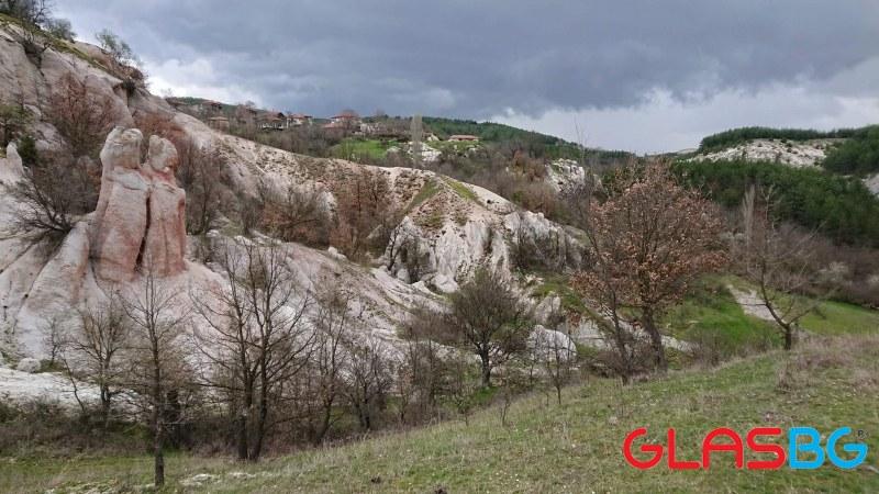 Нечестивите мисли на свекъра и... Каменната сватба - само на час от Пловдив СНИМКИ