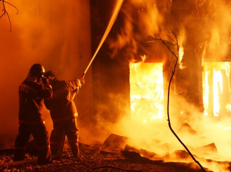 Пожар отне живота на осем души в дом за възрастни в Чехия