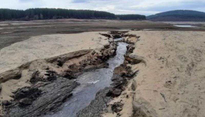 Водата в Перник изчислена за 10 дни! А после?