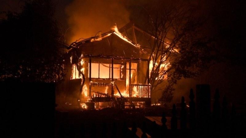 Българка подпали дома си в Италия, детето ѝ загина