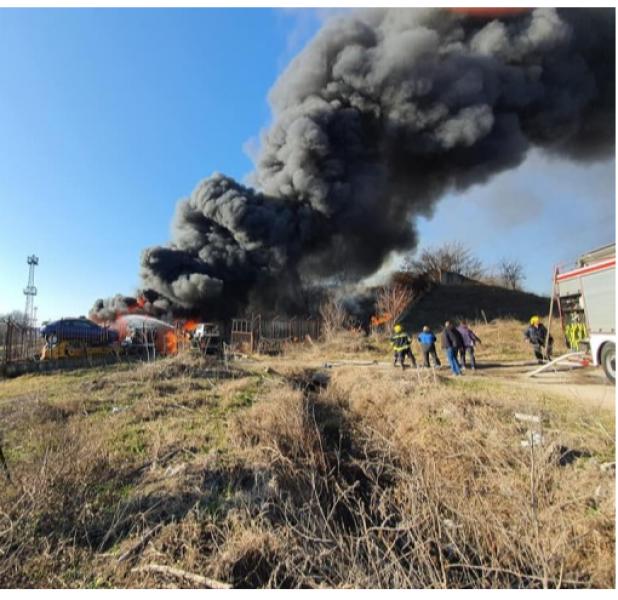 Огнен ад в Хасково! Автоборса избухна в пламъци   СНИМКИ