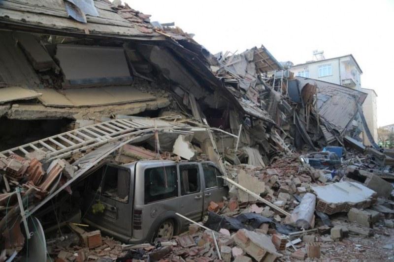 Трагедия без край: Над 1000 са ранените в Турция, жертвите все повече