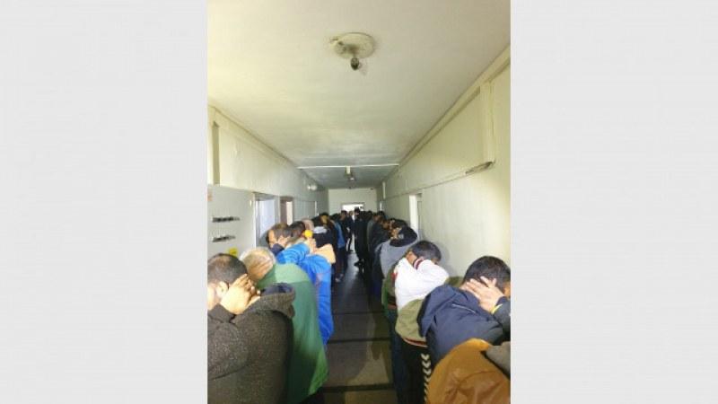 Извънредно! 60 арестувани в карловското Розино!