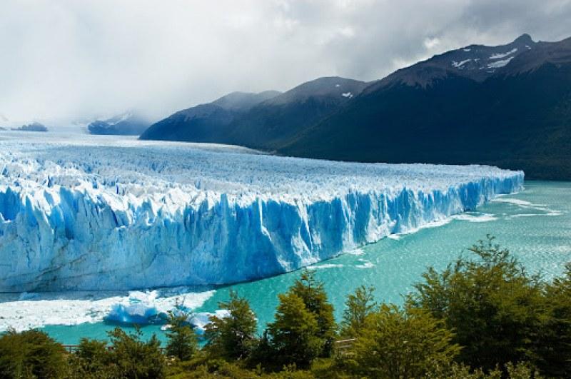 Най-големият айсберг в света се насочи към открития океан  СНИМКИ