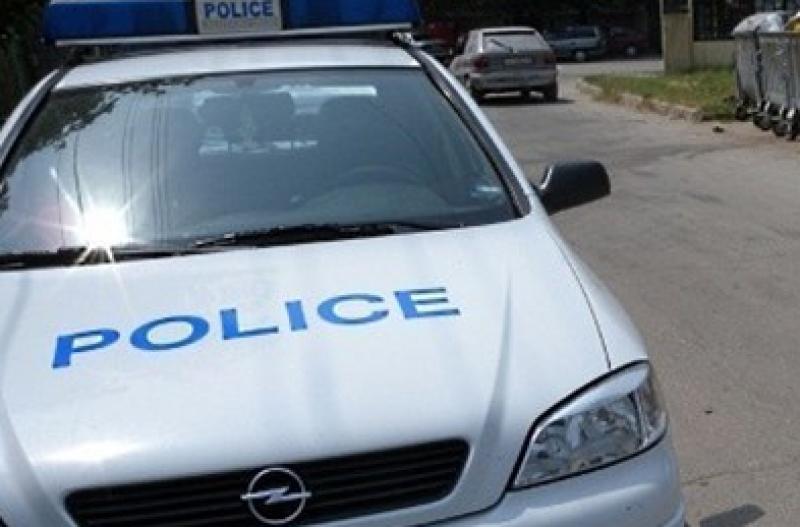 Тийнейджър нападна и ограби 54-годишен мъж, сви му 200 лева