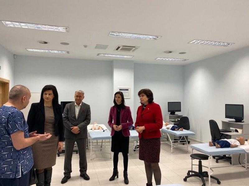 Еврокомисар с висока оценка за Медицински университет-Пловдив