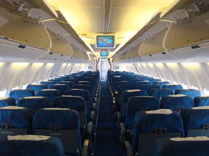 Безсрамна двойка се награби в самолета, пътниците потресени  СНИМКА