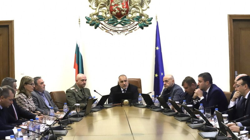 ИЗВЪНРЕДНО: Бежанци натискат границата, премиерът Борисов взе спешни мерки