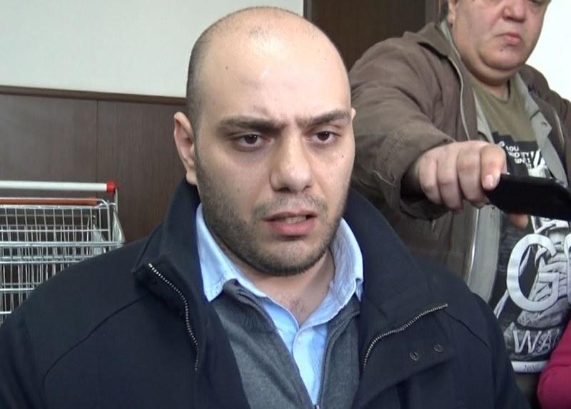 Синът на задържаната шефка на Басейнова с остър коментар!