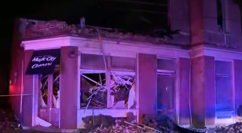 Мощно торнадо връхлетя американски щат, има много загинали
