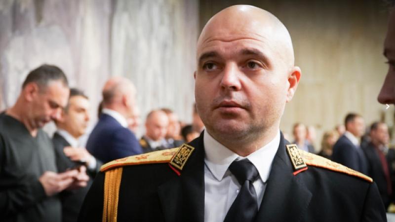 Гл. секретар на МВР: Може да се забрани изцяло излизането от вкъщи