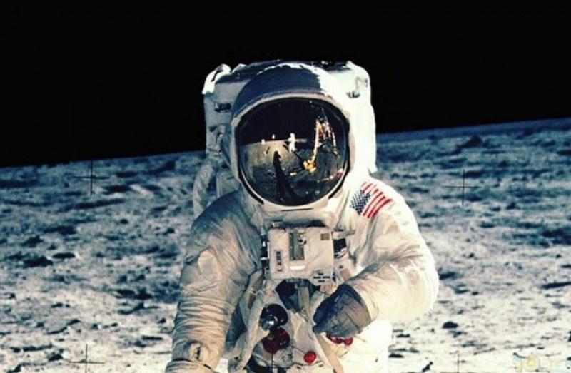 Астронавт каза как да преживеем социалната изолация