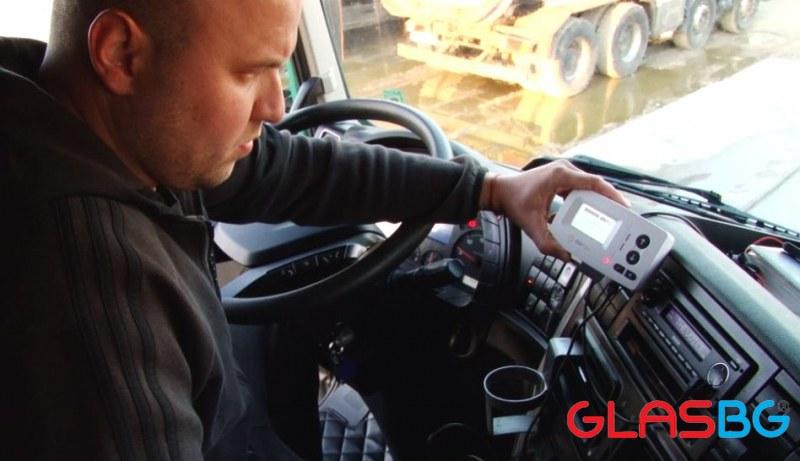 BG БЕЗУМИЕ: Забраниха влизането на камиони от 70 държави!