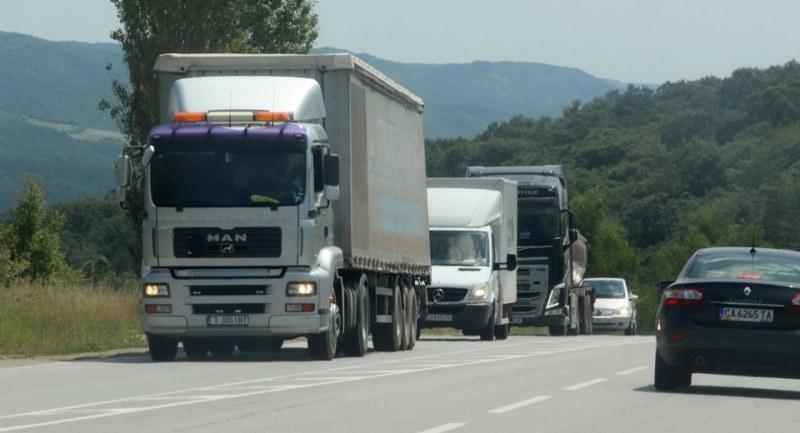 Ето с колко намаля работата на фирмите за международен транспорт след кризата