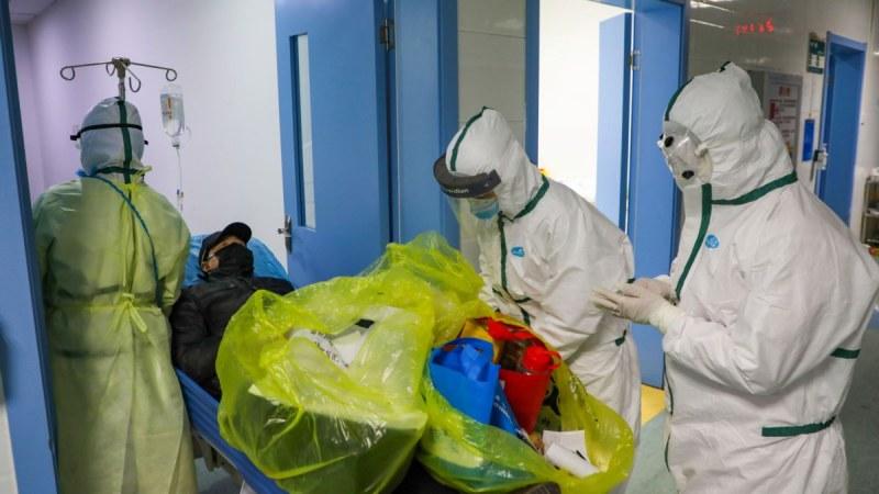 Защитни костюми от най-висок клас дариха на пловдивски болници, които ще лекуват COVID-19