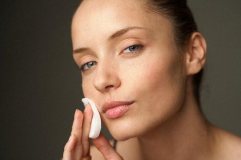 Как да почистим лицето в домашни условия