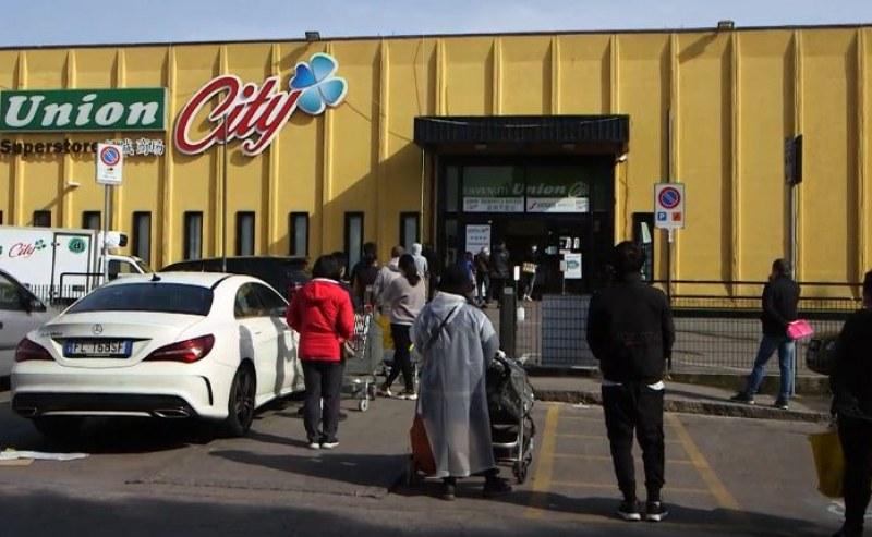 Глад в Сицилия! Въоръжени полицаи пазят хипермаркети!