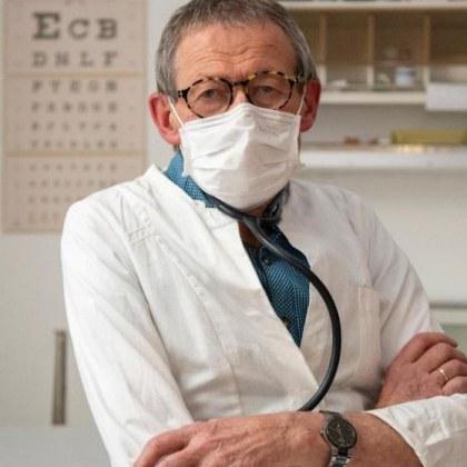 Лекар, заподозрял, че е заразен с коронавирус, продължи работа. А сега?