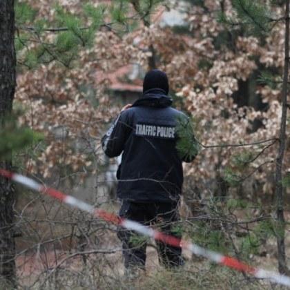 Убийство? Откриха труп на мъж в горичка