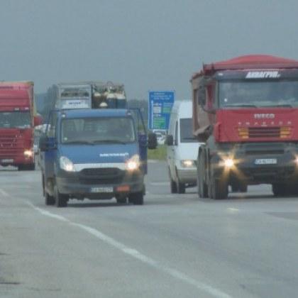 Възстановяват 50% от тол таксите за камиони и автобуси!