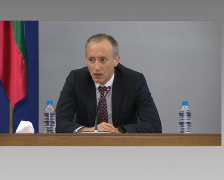 Министърът на образованието каза новите дати за матурите