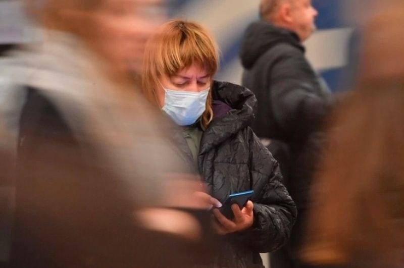 Жена се обади на Бърза помощ, че е болна от коронавирус, и я изпрати... при приятелка