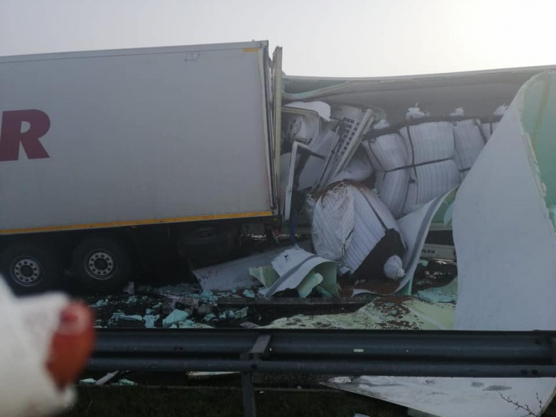 Шофьор от адската катастрофа с тирове разкри причината за мелето
