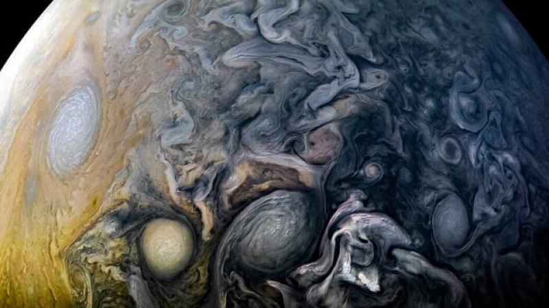 НАСА публикува спиращи дъха СНИМКИ на Юпитер