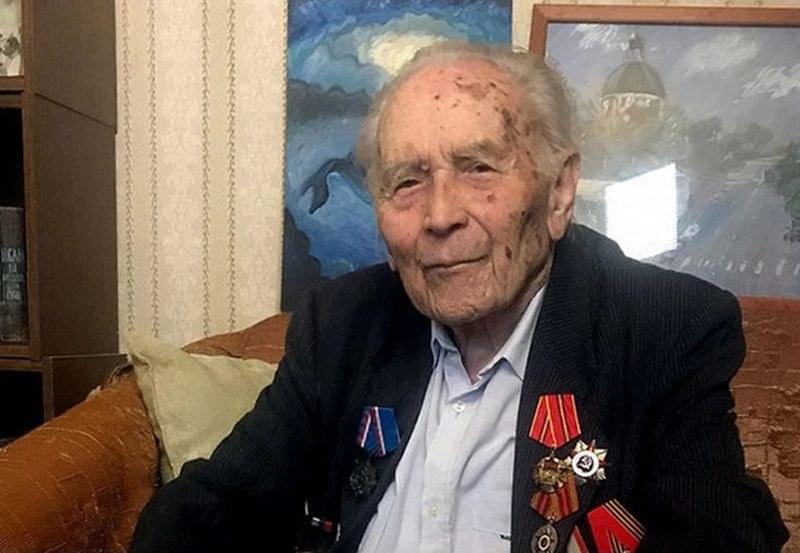 100-годишен учен ветеран почина от коронавирус