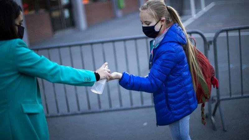 Трябва ли децата да са на училище по време на пандемия?