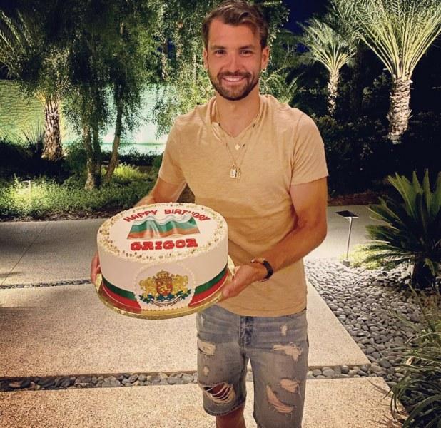 Патриотична торта за Григор в Америка СНИМКИ