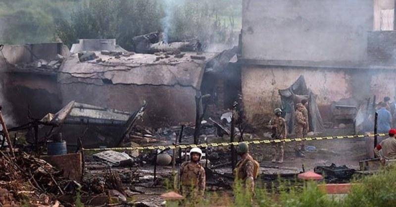 Броят на жертвите от самолетната катастрофа се увеличава!