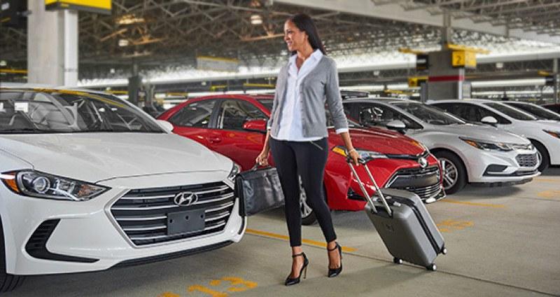 Една от най-големите в света компании за коли под наем фалира
