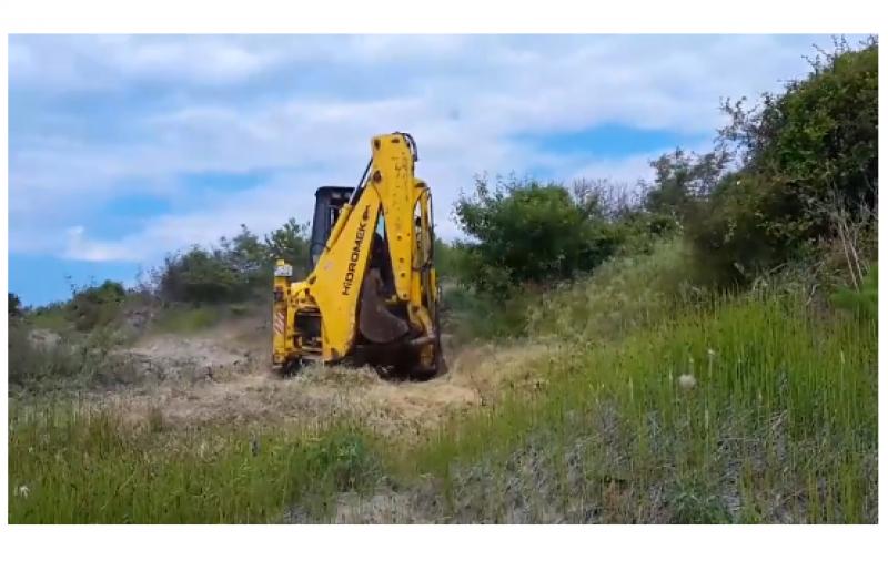 Багер разкопа дюни в Ахтопол! Концесионерът с обяснение
