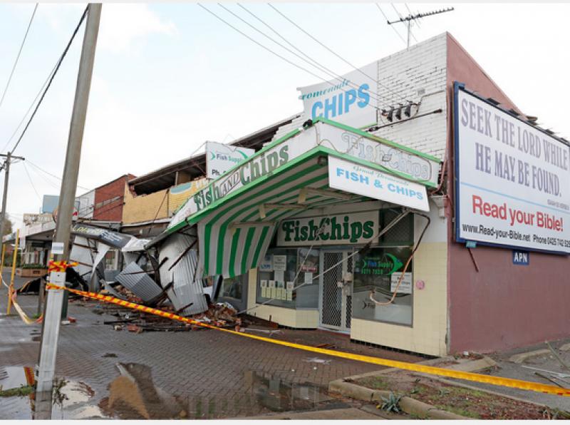 Невиждана буря от години удари Австралия! СНИМКИ