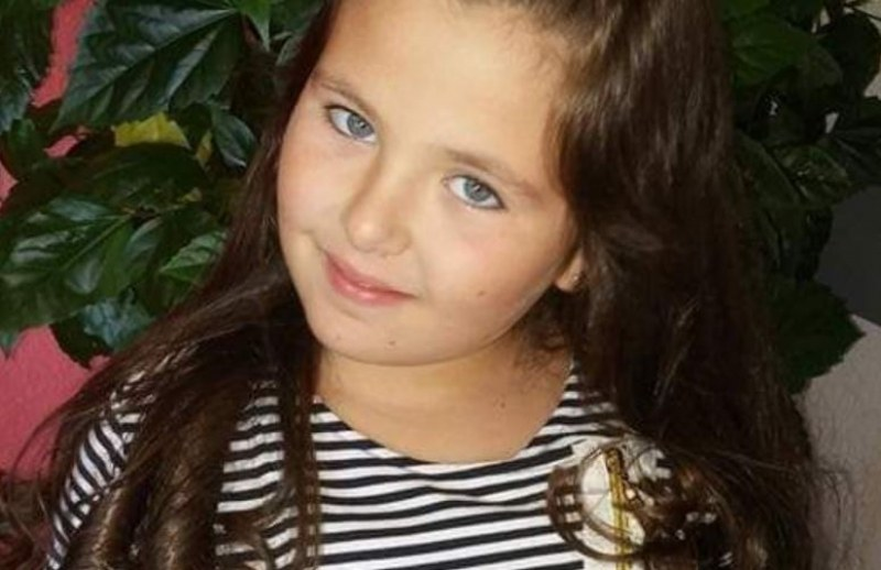 Да помогнем на малката Сиана да пребори тежко заболяване
