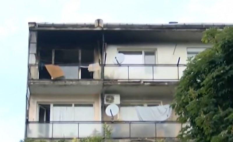 Защо децата от горящия апартамент са оставени сами?