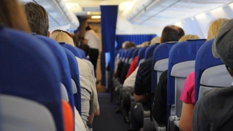 Подценява ли се опасността от зараза от COVID-19 при полет?