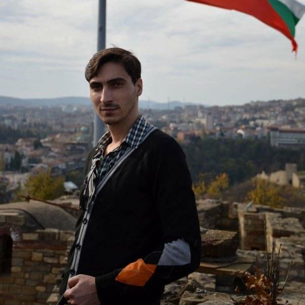 Млад лекар спаси жена в двора на болницата в Пазарджик