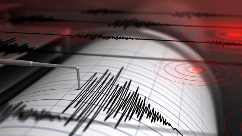 Силно земетресение в Западна Турция!