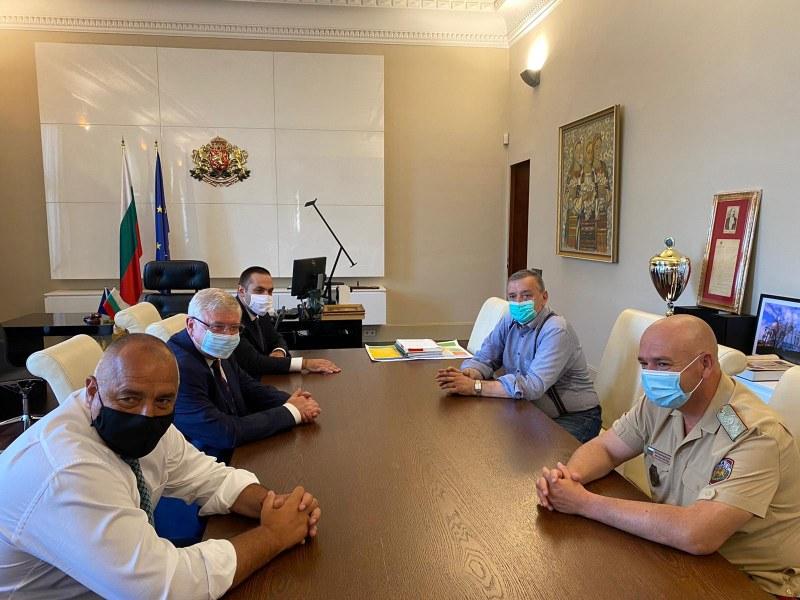 Борисов и Щабът обсъдиха ситуацията с COVID-19 у нас