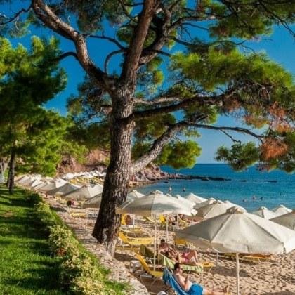 Туристи на остров Тасос са с коронавирус! Оказаха се... българи