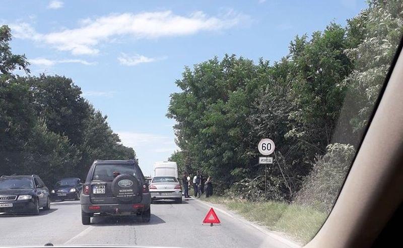 Две катастрофи за час в Пловдив! Има ранен моторист